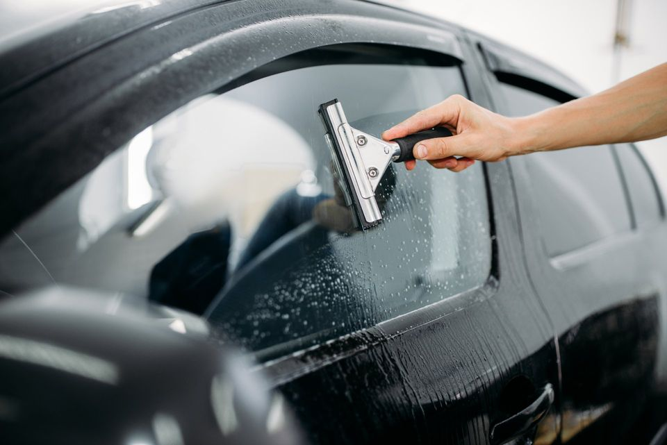 How to Choose a Window Tint Shop