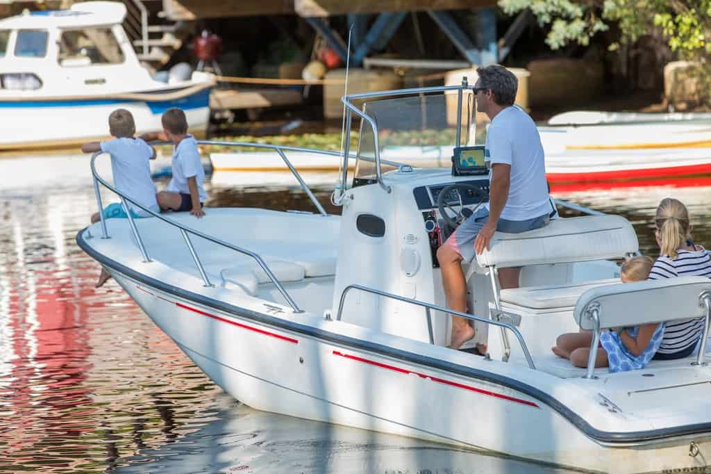 Factors to Pay Attention to When Buying an Armed Watercraft Boat